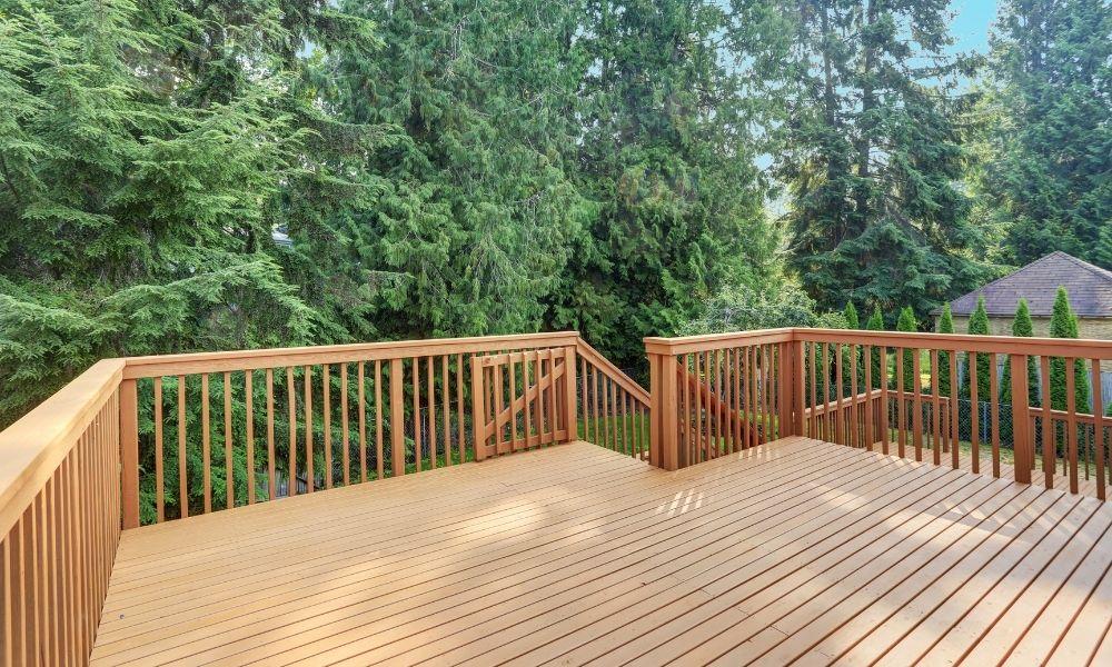 Things To Consider Before Choosing Deck Railing