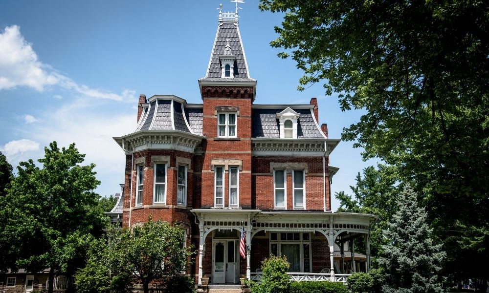 What Defines Victorian Architecture and Style?